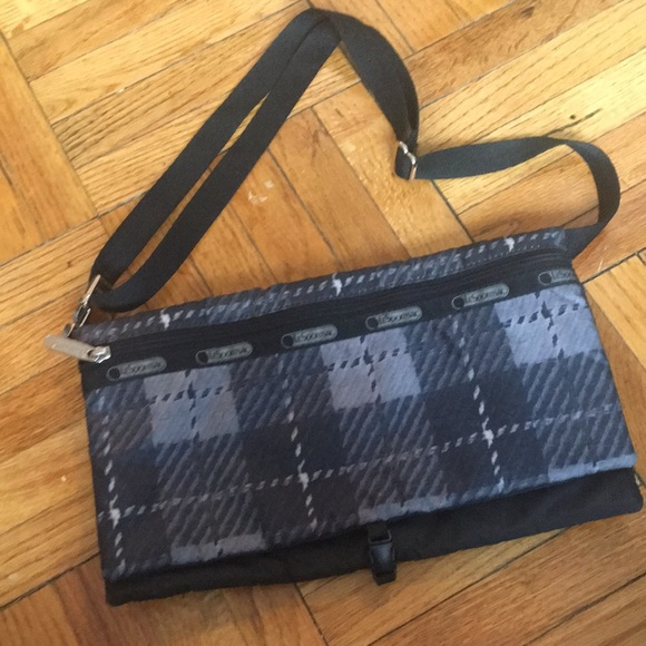 Lesportsac Handbags - LeSportsac Bag